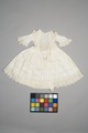 Vit barnklänning ev. 1867 - Livrustkammaren - 86884.tif