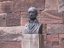 Büste in Marburg vor der Alten Universität (Quelle: Wikimedia)