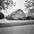 Voor- en zijgevel boerderij, - Hoenkoop - 20374591 - RCE.jpg