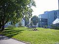 Vor dem Naturwissenschafts-Gebäude - panoramio.jpg