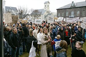 2009 Icelandic financial crisis protests - Image: W05 Protesters Austurvöllur 08325