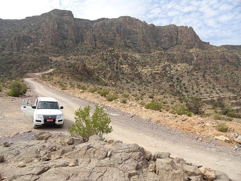 File:Wadi Bani Awf, Oman (36995968531).jpg