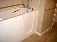 Accessible bathtub - Wikipedia