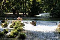 Wasserfall Eisbach Schwabinger Bach Englischer Garten Muenchen-2.jpg