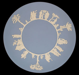 Wedgwood - Typical wedgwood blue plate with white decor
