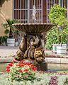 Weimar Schlosspark Belvedere Orangeriehof , Delphinbrunnen.jpg