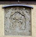 Weingarten Kirchplatz Durchgang Wappenrelief.jpg