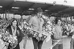 Wereldkampioenschappen schaatsen dames in Heerenveen huldiging wereldkampioene , Bestanddeelnr 925-4339.jpg