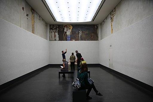 Wiener Secessionsgebäude. Beethovenfries. 2017-10-01 11-36-30
