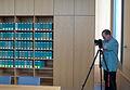 Wikipedia-Fotograf in einem Beratungszimmer des BAG.jpg