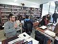 Wikipedistas trabajando en el Editatón 'Wikipedia ama el cine' 16.JPG