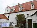 Wildenstein Burghof Hauptgebäude Eingang.jpg