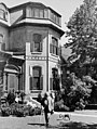 William Lyon Mackenzie King and his dog, Pat I, at Laurier House - William Lyon Mackenzie King et son chien, Pat I, à la maison Laurier (26132665178).jpg