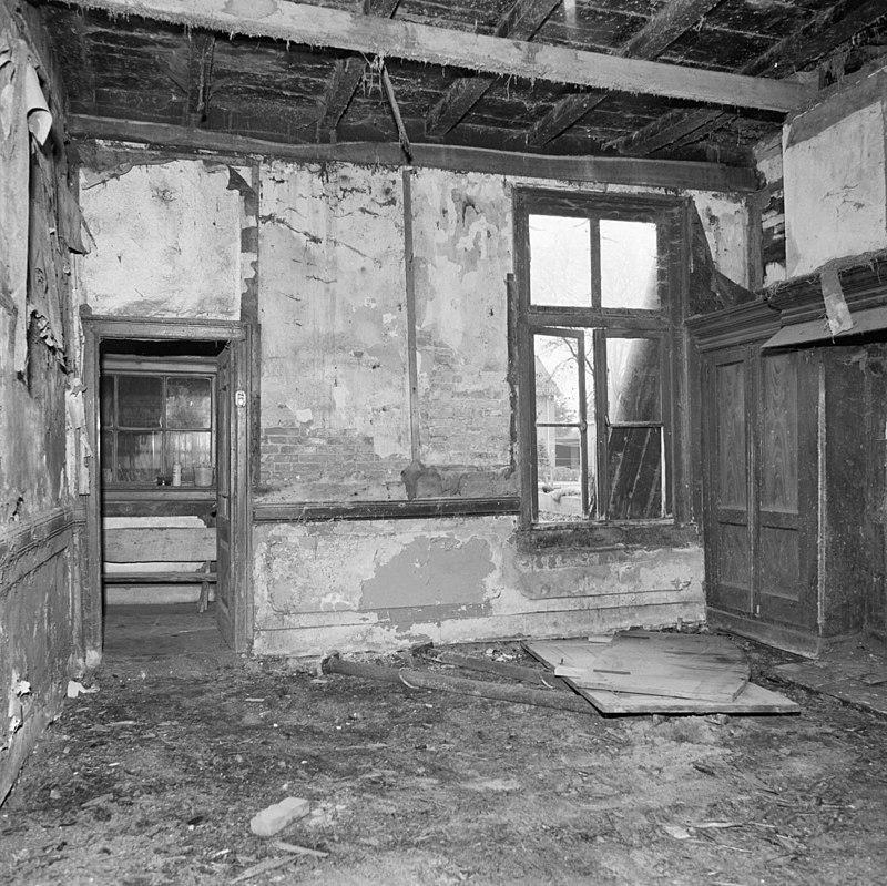 Vakwerk huis met vernieuwde voorgevel met lijst en ingezwenkte zijkanten in ootmarsum monument - Woonkeuken american ...