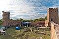 Zamek w Czersku wieża bramna i zachodnia.jpg