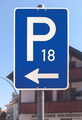 Zeichen 314 a – Parkplatz (mit Pfeil linksweisend), StVO 1970.png