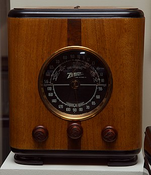 "Zenith Model 5-S-220 ""cube"" radio ci..."