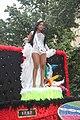 Zwarte vrouwelijke koningin zomercarnaval Rotterdam.jpg