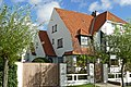 """Relâche"", gekoppelde villa in cottagestijl, Prins Karellaan 29, 't Zoute (Knokke-Heist).JPG"