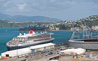 Wellington Harbour - Aotea Quay, Queen Mary 2