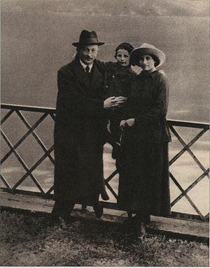 Felix Dzerzhinsky - Dzerzhinsky pictured with wife Zofia and son Janek in Lugano, Switzerland; October 1918