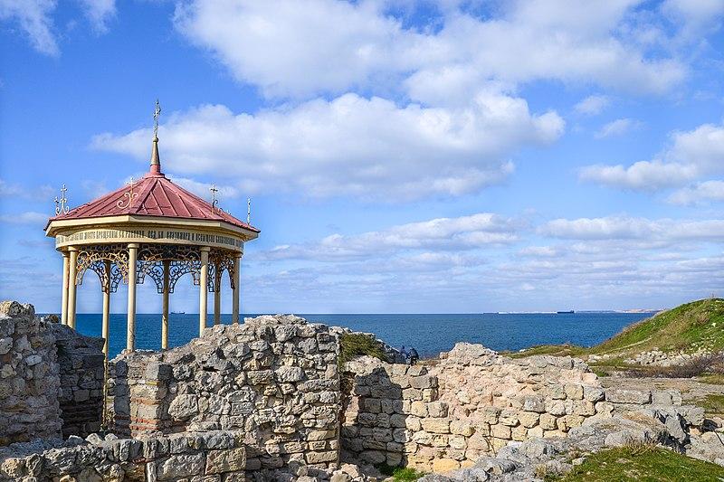 Візантійський баптистерій, Севастополь. Автор фото — Demmarcos (Андрій Мозоль), вільна ліцензія CC BY-SA 4.0
