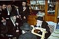הרב אהרון יהודה לייב שטיינמן באחד מביקוריו אצל הרב אלישיב.JPG
