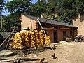 窑洞前的房子 - panoramio.jpg