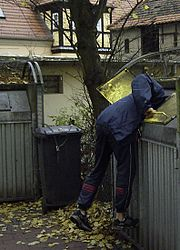 external image 180px-...beim_Containern.jpg