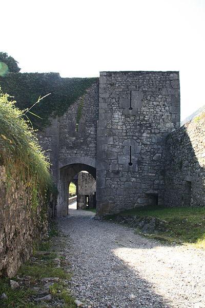 Château de Miolans.