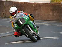 "Oliver ""Olie"" Lindsell op een 500 cc Paton in de Senior Classic Race in 2010"