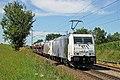 185 661 Lokomotion Rail (Traxx F140 AC2) bei Hilperting-Oberbayern.JPG