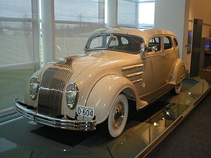 Kit Kittredge: An American Girl - A fleet of vehicles were used in the film's car dealership scenes, among them a Chrysler Airflow driven by Jack Kittredge (Chris O'Donnell).