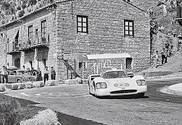 1967-05-14 Targa Florio Collesano Chaparral 2F Hill+Sharp.jpg