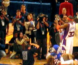 Rising Stars Challenge - Stoudemire (far right) receiving the MVP award for the 2004 Rookie Challenge game.