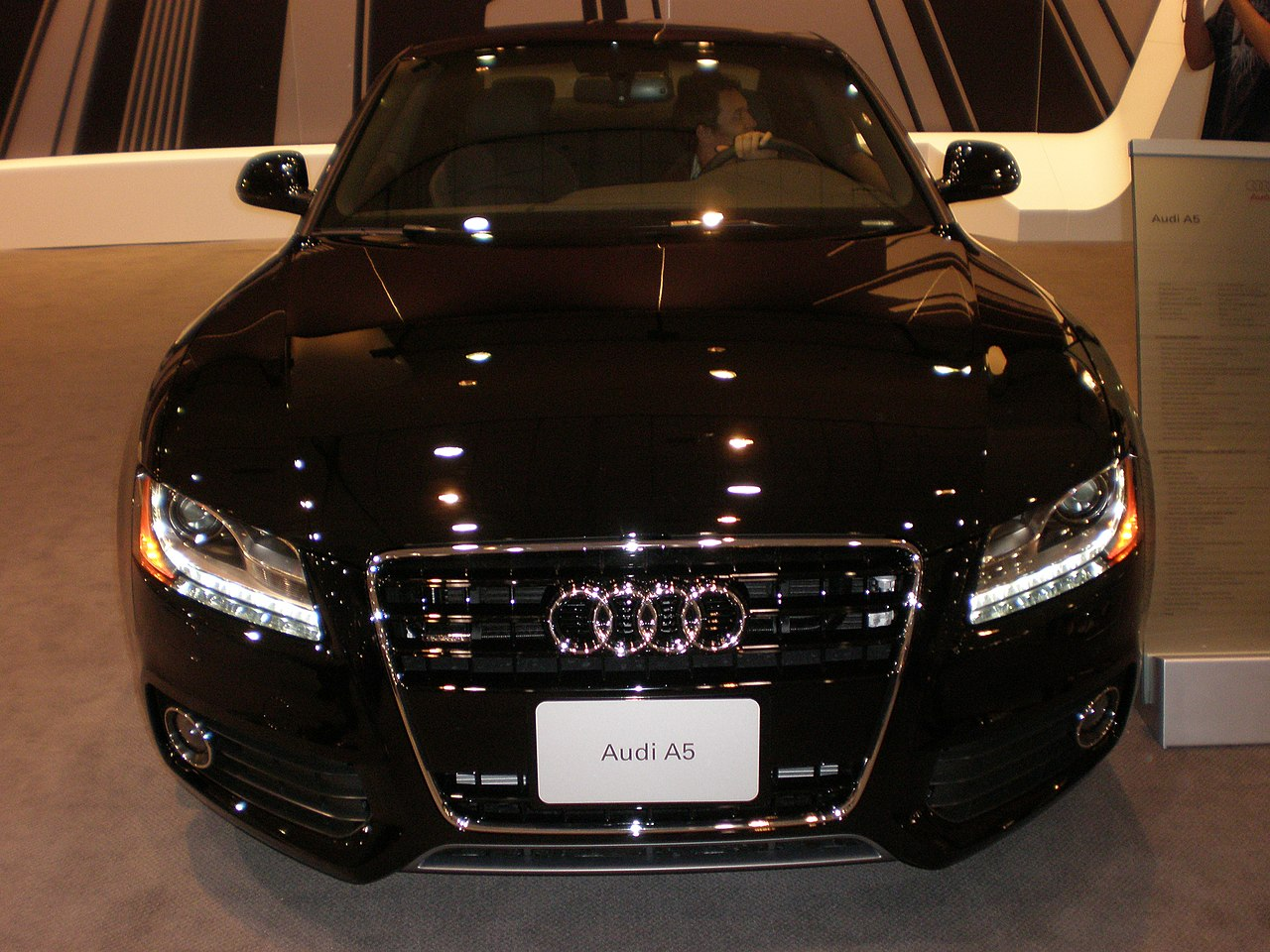 file 2009 black audi a5 front jpg wikimedia commons. Black Bedroom Furniture Sets. Home Design Ideas