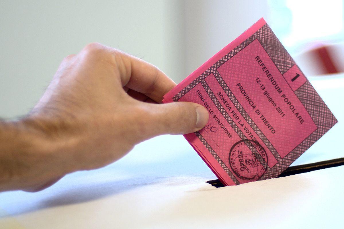 Ufficio elettorale di sezione wikipedia for Numero di parlamentari
