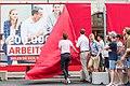 """2017 Präsentation Plakatsujets """"Holen Sie sich, was Ihnen zusteht"""" (35556819243).jpg"""