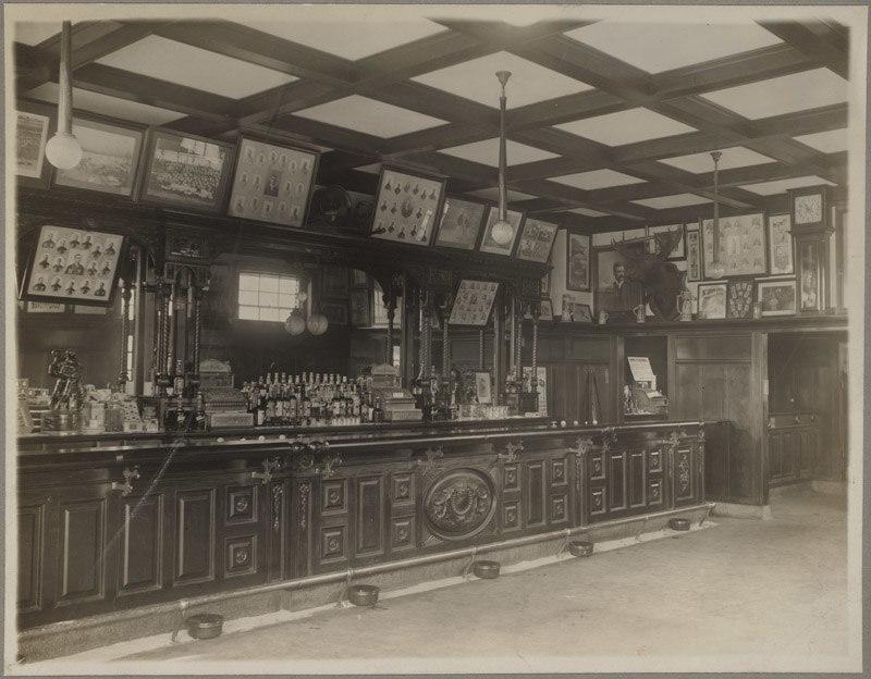 3rd Base Salon, Boston (1916)