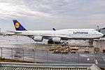 747-8i LUFTHANSA SBGR (35893904574).jpg