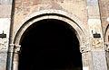 9964 - Milano - Sant'Ambrogio - Cortile - Capitelli facciata - Foto Giovanni Dall'Orto 25-Apr-2007a.jpg