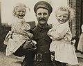 A British soldier with French children, Bestanddeelnr 158-2323 (cropped).jpg