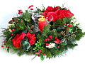 Adventskranz mit Amaryllis aus Kunst- und Seidenblumen.JPG