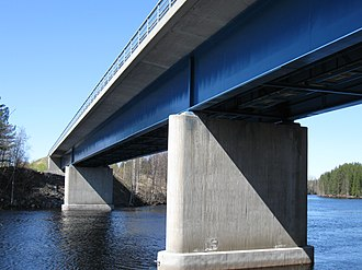 Beam (structure) - Image: Ahmaskoski road bridge