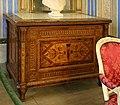 Ajaccio, maison bonaparte, salotto 02 comò maggiolini, milano 1790 ca.jpg