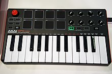 MIDI keyboard - Wikipedia