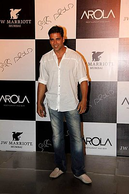 Akshay Kumar at the Launch of new restaurant 'Arola' at J W Marriott 01.jpg
