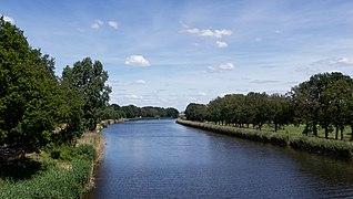 Almelo, het Twentekanaal (zijkanaal naar Almelo) vanaf de Wierdensebrug IMG 5748 2020-05-31 12.37.jpg