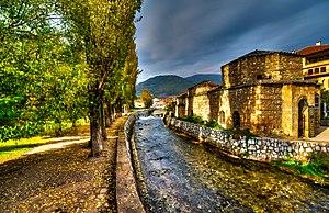 Tetovo: Amamot na reka Pena