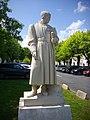 Amboise - statue de Fouquet.jpg